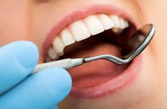 Chasser la plaque dentaire
