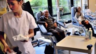 L'imagerie morphologique est un facteur pronostic puissant dans les cancers colorectaux métastatiques réfractaires à la chimiothérapie traités par cetuximab