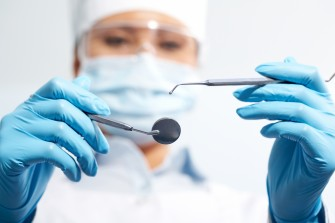 Mesures d'hygiène du dentiste, maladies infectieuses et hépatite.