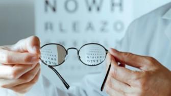 LOrganisation d'une session spéciale d'examen de fin d'études pour les candidats opticiens lunetiers